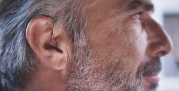 beltone-trust-man-wearing-hearing-aid